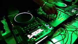 dj-training-teerex-radio